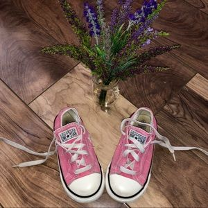💗Pink Converse Chuck Taylor shoes toddler size 8